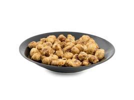 een kom met masala-pinda's