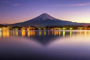 mooie scece susnset weerspiegeling van mt.fuji