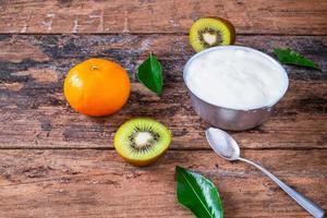 yoghurt en fruit foto