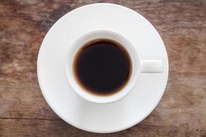 bovenaanzicht van een kopje verse koffie