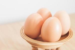 eieren op een standaard
