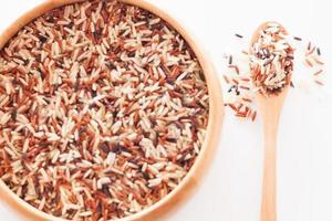 bovenaanzicht van rijst in een kom