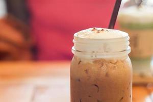 close-up van een mokka in een café