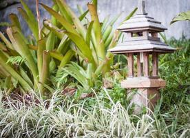 lamp in een tuin foto