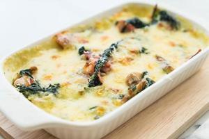 spinazie lasagne in een ovenschaal
