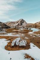 hut in de top van de meren foto