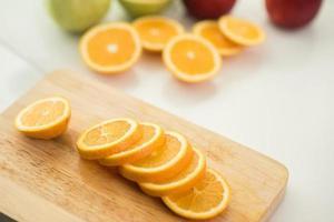 vers gesneden sinaasappelen foto