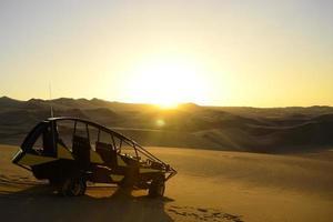 buggy in de woestijn
