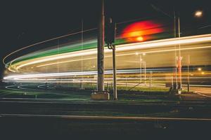 lange blootstelling van een snelweg 's nachts