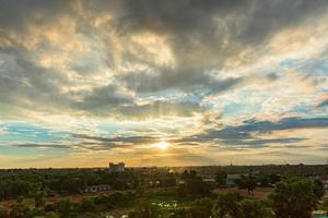 landschap bij zonsondergang foto
