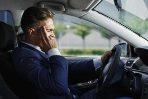 zakenman met een migraine foto