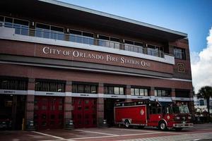 orlando, florida, 2020 - brandweerkazerne van de stad orlando foto