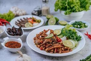 varkenslever salade met bijgerechten