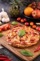 basilicum en chili pizza foto