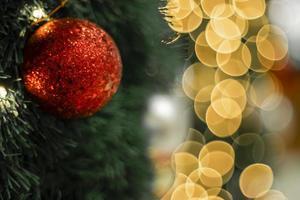 sprankelende rode kerstbal