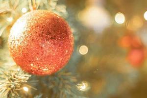 close-up van een kerstbal