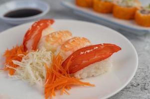 vers geplateerde sushi