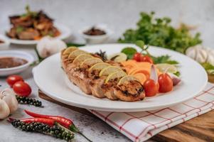 gesneden gegrilde gastronomische kip