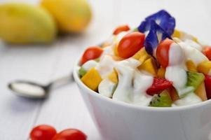 vers fruit en yoghurt foto