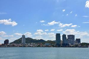 stadslandschap van pattaya, thailand foto