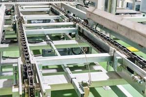 transportband op productielijn foto