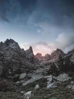rotsachtige corsica bergen