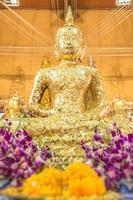gouden boeddha in thailand foto