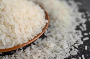 close-up van gemalen rijst in kommen