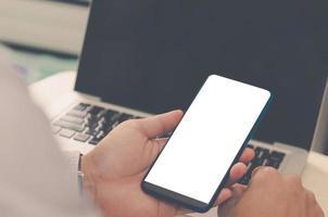 slimme telefoon met een leeg scherm foto