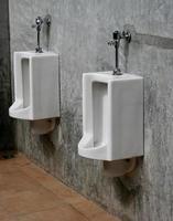 urinoirs op kantoor foto