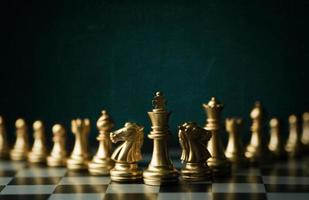gouden schaakstukken foto