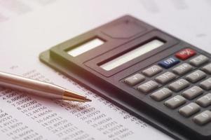 rekenmachine en financiële cijfers foto