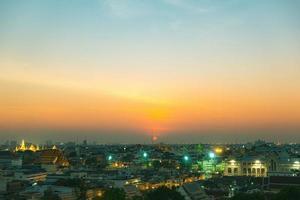 bangkok stad bij zonsondergang
