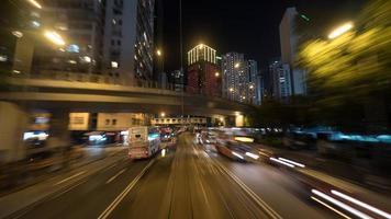 hong kong, 2020 - lange blootstelling van een drukke straat foto