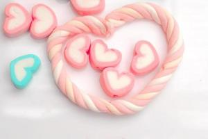 pastel marshmallows in hartvorm