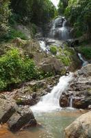 waterval op koh samui, thailand foto