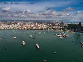 luchtfoto van pattayastrand, thailand foto