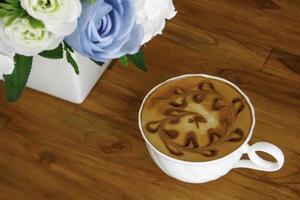 latte en bloemen