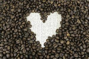hartvorm gemaakt van koffiebonen foto