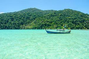 surin eiland boot in thailand foto