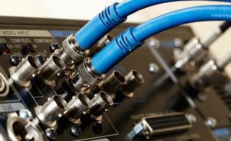 blauwe videokabels