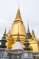 pagode in wat phra kaew in thailand