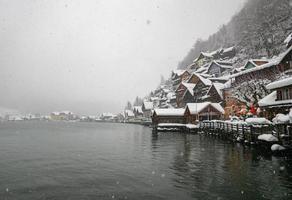 idyllisch stadje in winterwonderland foto