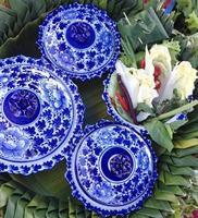 blauwe keramische kommen
