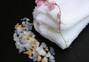 zout en een handdoek foto
