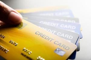 close-up afbeeldingen van meerdere creditcards