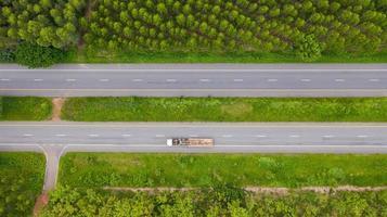 luchtfoto van een weg foto