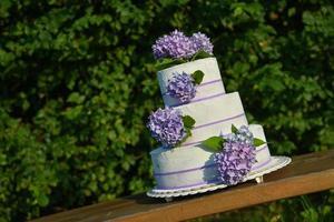 cake met bloemen foto