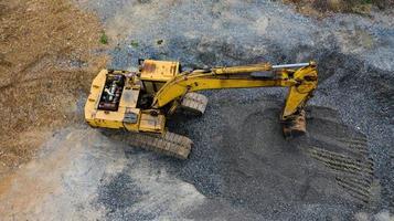 oude gele tractor foto