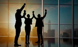 zakenmensen vieren silhouet foto
